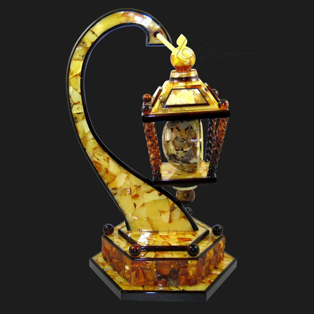 Настольные (можно и на стену) именные часы янтарь год ссср электромеханические.